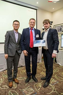 Первая награда от Hikvision: «За широкий спектр каналов продаж»